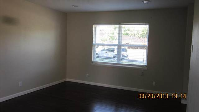 8672 Flicker Lane, Dallas, TX 75238 (MLS #14477851) :: The Mitchell Group