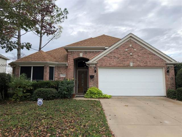 2708 Briarcrest Drive, Burleson, TX 76028 (MLS #14478162) :: The Hornburg Real Estate Group