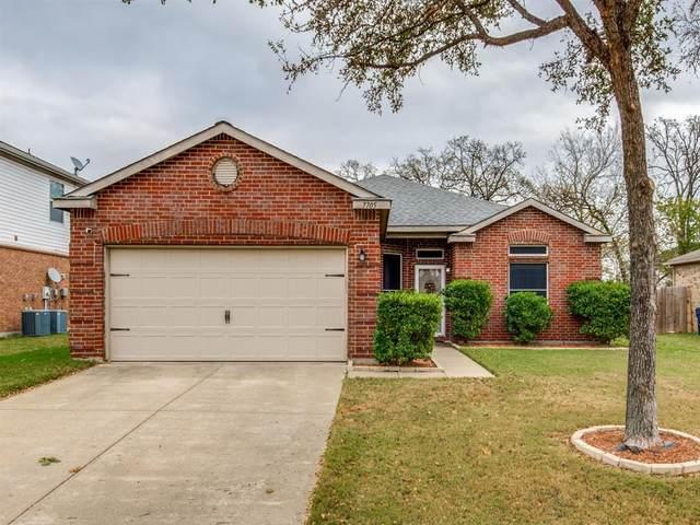 7705 Swan Park Drive, Denton, TX 76210 (MLS #14478374) :: Frankie Arthur Real Estate