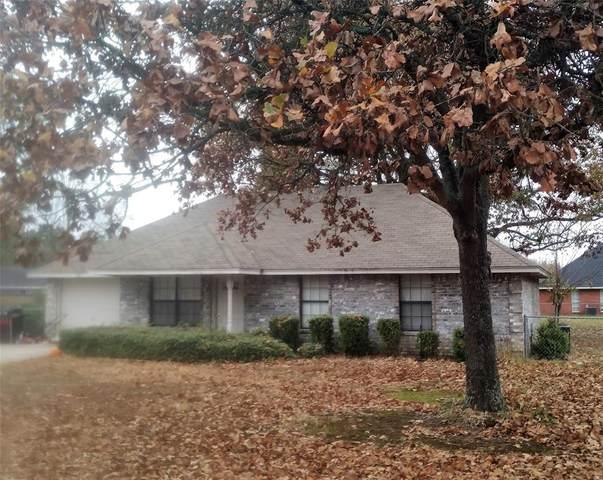 301 Town East Drive, Reno, TX 75462 (MLS #14478397) :: The Kimberly Davis Group