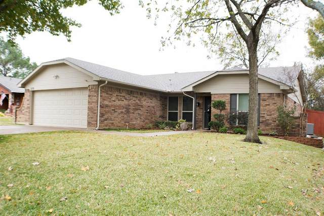 2128 Reverchon Drive, Arlington, TX 76017 (MLS #14478417) :: The Mauelshagen Group