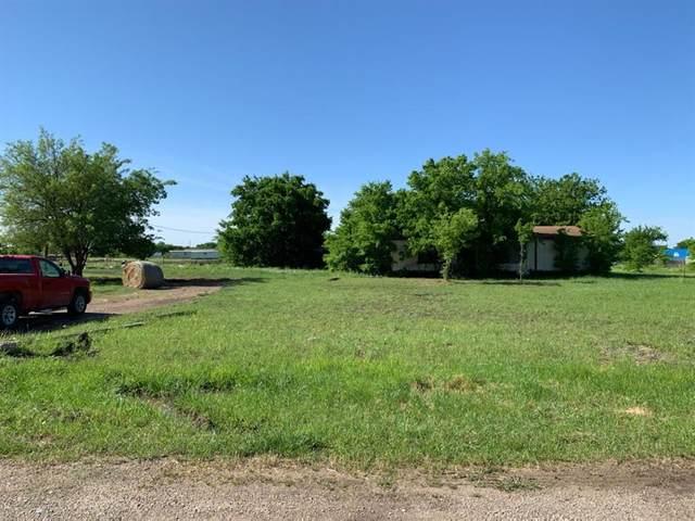 17356 Gaffield Road, Justin, TX 76247 (MLS #14478968) :: Trinity Premier Properties