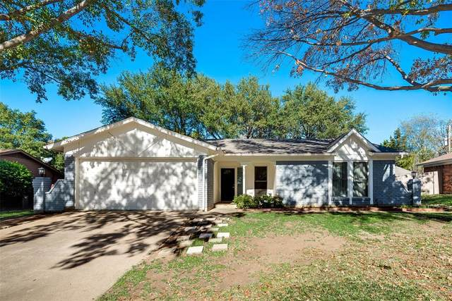 8721 Irongate Drive, North Richland Hills, TX 76182 (#14479050) :: Homes By Lainie Real Estate Group