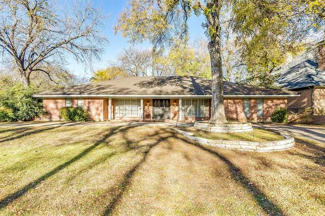 3800 Lynncrest Drive, Fort Worth, TX 76109 (#14479275) :: Homes By Lainie Real Estate Group