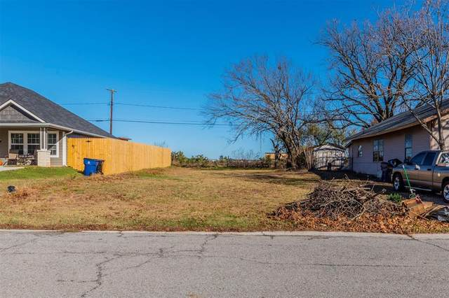 621 E Morton Street, Denison, TX 75021 (MLS #14479383) :: Frankie Arthur Real Estate