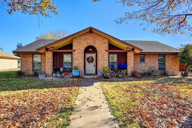 3201 Anthony Drive, Sherman, TX 75092 (#14479412) :: Homes By Lainie Real Estate Group