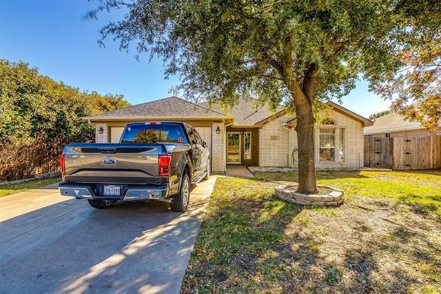 603 Meadowbrook Drive, Burleson, TX 76028 (MLS #14479869) :: The Star Team | JP & Associates Realtors