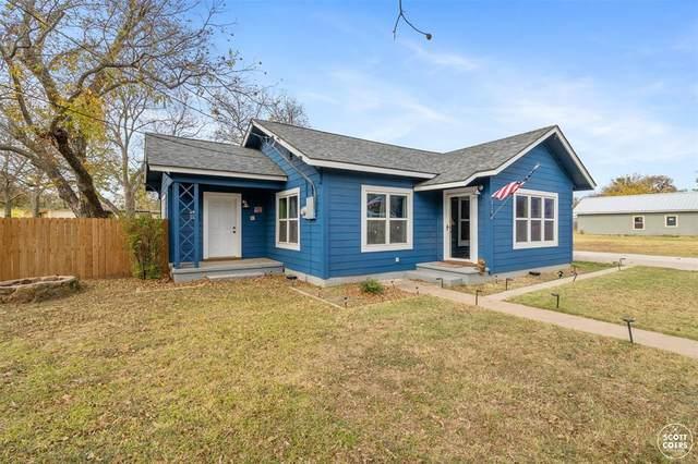 210 Vine Street, Bangs, TX 76823 (MLS #14480398) :: The Tierny Jordan Network