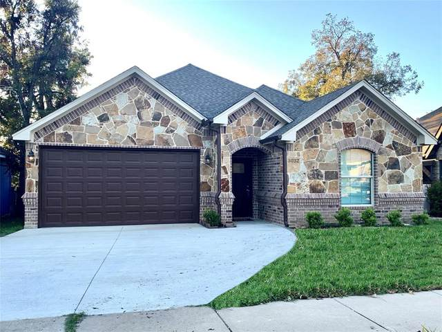 3032 W James Avenue, Fort Worth, TX 76110 (#14480418) :: Homes By Lainie Real Estate Group