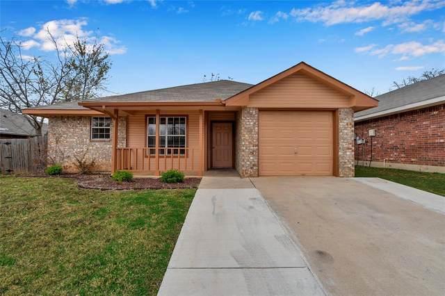 1409 Paco Trail, Denton, TX 76209 (MLS #14481410) :: Frankie Arthur Real Estate