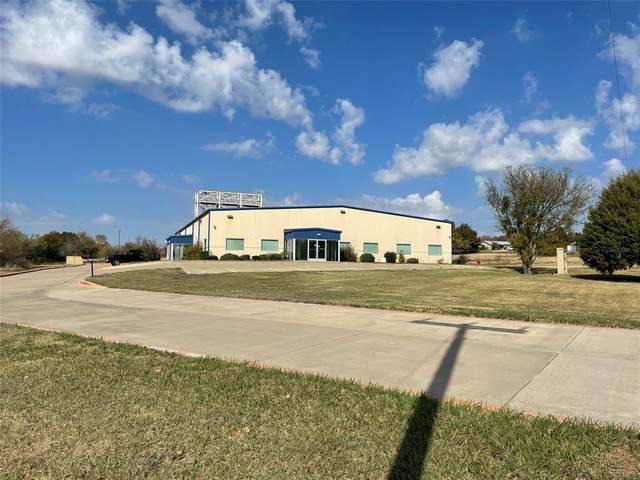 1425 N Bowie Drive, Weatherford, TX 76086 (MLS #14483146) :: The Kimberly Davis Group