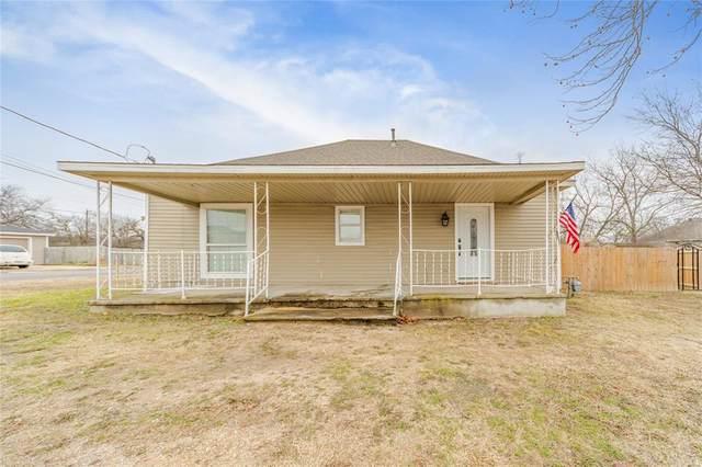 801 S Trenchard Street, Decatur, TX 76234 (MLS #14487729) :: The Daniel Team