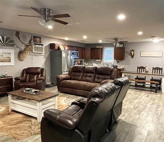 106 N Lane Street, Comanche, TX 76442 (MLS #14488343) :: The Kimberly Davis Group