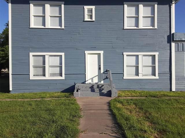 2002 W 7th Avenue #3, Corsicana, TX 75110 (MLS #14489807) :: Premier Properties Group of Keller Williams Realty