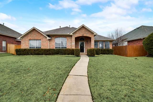 2033 Hawken Drive, Plano, TX 75023 (#14491749) :: Homes By Lainie Real Estate Group