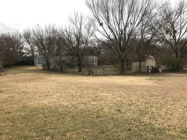 816 Green Valley Circle E, Burleson, TX 76028 (MLS #14492239) :: The Kimberly Davis Group