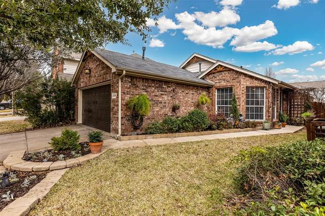 2709 Mountain Lion Drive, Fort Worth, TX 76244 (MLS #14492273) :: Team Hodnett