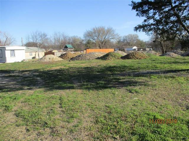 112 Cedar Street, Roanoke, TX 76201 (MLS #14492633) :: The Mauelshagen Group
