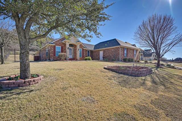 1720 Magic Valley Lane, Cedar Hill, TX 75104 (MLS #14493346) :: RE/MAX Pinnacle Group REALTORS