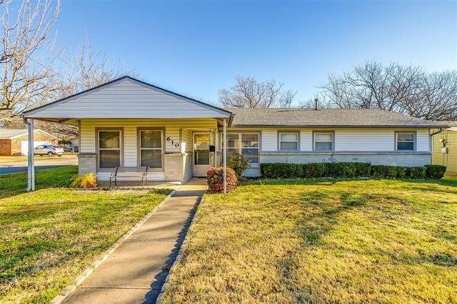 610 N Douglas Avenue, Cleburne, TX 76033 (MLS #14493487) :: The Mitchell Group