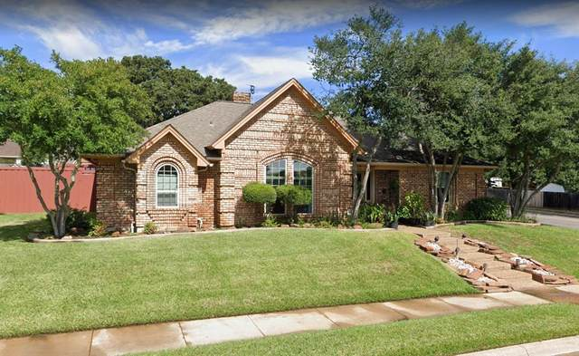 1317 Briarhaven Drive, Bedford, TX 76021 (MLS #14493635) :: Real Estate By Design