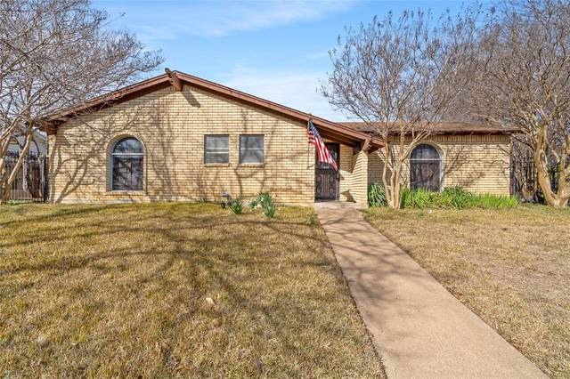 1418 Capetown Drive, Grand Prairie, TX 75050 (MLS #14495912) :: The Property Guys