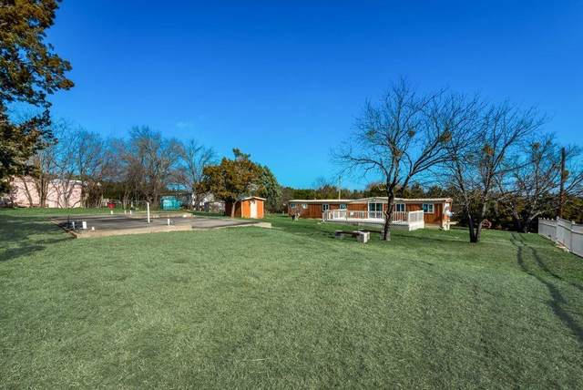 2208 Beverly Drive, Granbury, TX 76048 (MLS #14496245) :: Maegan Brest | Keller Williams Realty