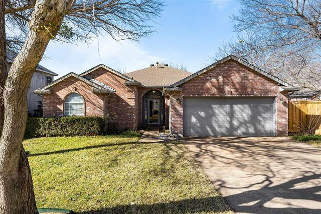 4315 Derby Court, Grand Prairie, TX 75052 (MLS #14497624) :: RE/MAX Pinnacle Group REALTORS