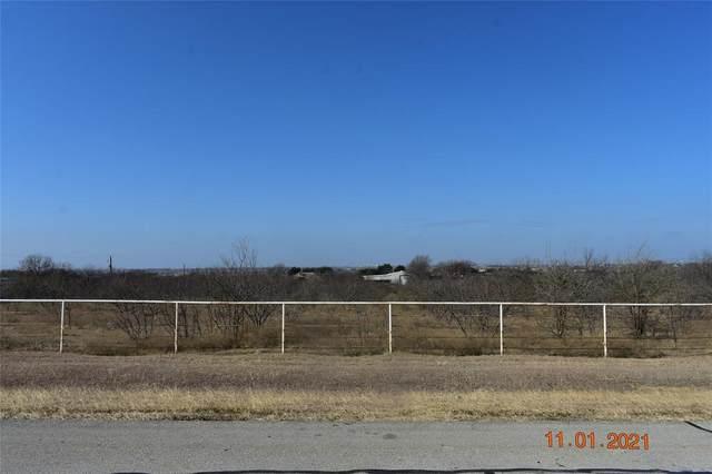 2208 White Lane, Haslet, TX 76052 (MLS #14497974) :: Justin Bassett Realty