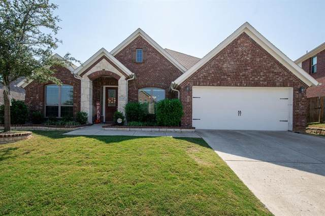 1110 Bentley Drive, Roanoke, TX 76262 (MLS #14498360) :: The Mauelshagen Group