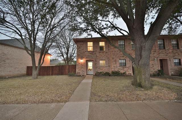 7409 Kingswood Circle, Fort Worth, TX 76133 (MLS #14498830) :: The Mauelshagen Group
