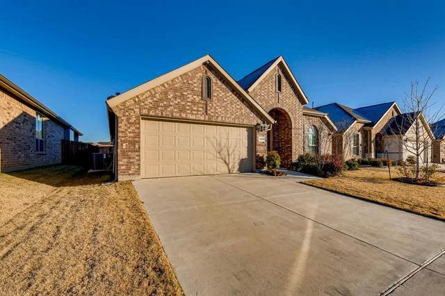 2433 Flowing Springs Drive, Fort Worth, TX 76177 (MLS #14498972) :: Robbins Real Estate Group