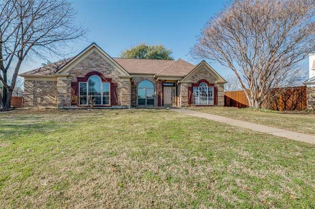 3301 Oakdale Court, Hurst, TX 76054 (MLS #14499469) :: The Kimberly Davis Group