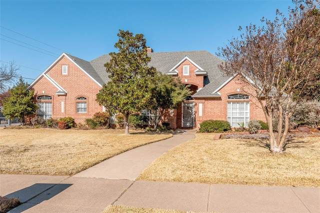 3240 High Meadow Drive, Grapevine, TX 76051 (#14499582) :: Homes By Lainie Real Estate Group