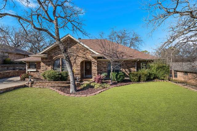 109 Alsbury Boulevard, Burleson, TX 76028 (MLS #14499638) :: The Mauelshagen Group