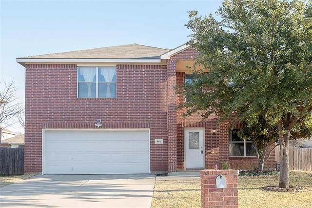 801 Flamingo Drive, Saginaw, TX 76131 (MLS #14499992) :: The Kimberly Davis Group