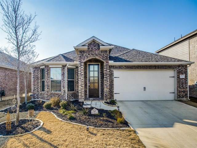 3717 Sweetclover Drive, Mckinney, TX 75071 (MLS #14500072) :: The Kimberly Davis Group