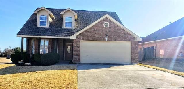 901 Robin Drive, Saginaw, TX 76179 (MLS #14500642) :: EXIT Realty Elite