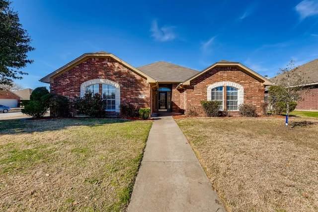 301 Angela Drive, Burleson, TX 76028 (MLS #14500714) :: All Cities USA Realty