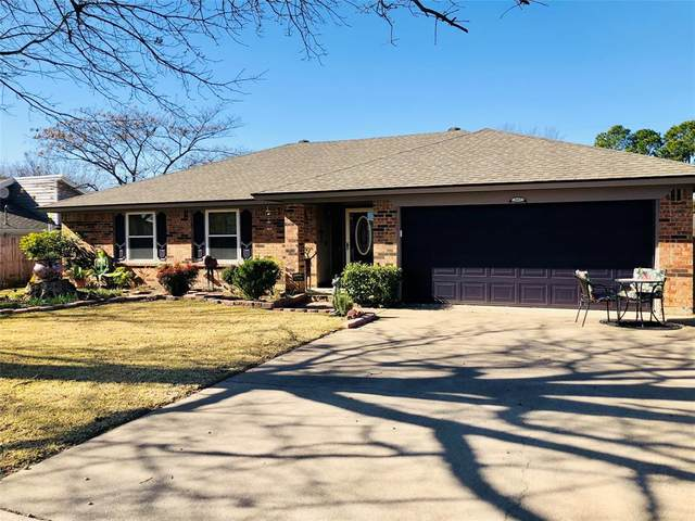 2323 Mockingbird Drive, Grapevine, TX 76051 (MLS #14500749) :: Post Oak Realty