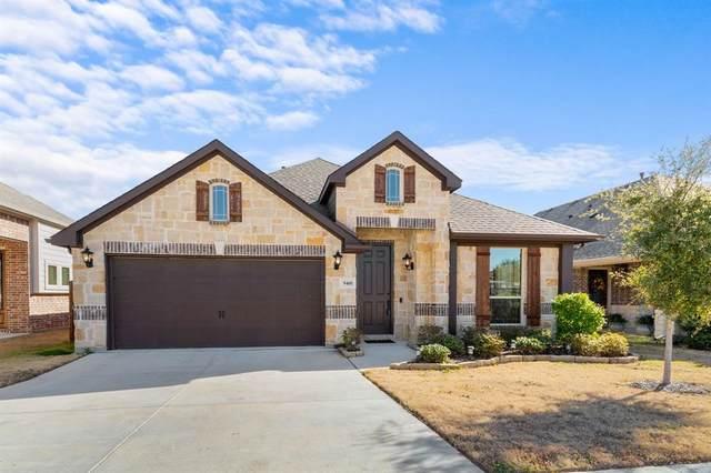 9401 Meadowpark Drive, Denton, TX 76226 (MLS #14500751) :: The Kimberly Davis Group