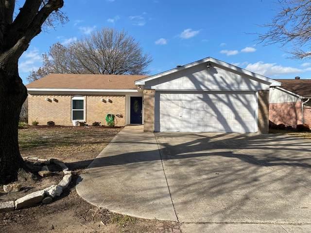 428 Fox Drive, Saginaw, TX 76179 (MLS #14500787) :: The Kimberly Davis Group