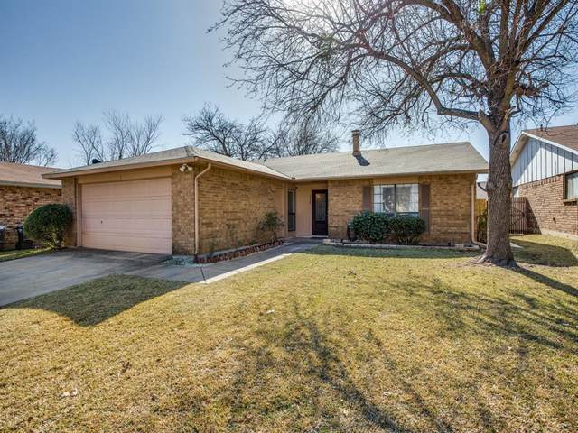 7708 Four Winds Drive, Fort Worth, TX 76133 (MLS #14500897) :: The Mauelshagen Group