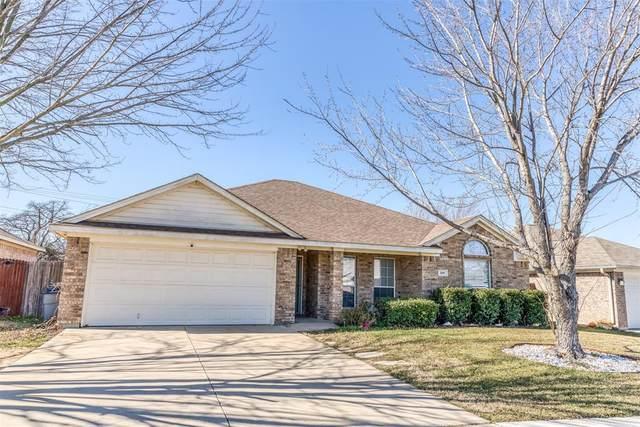 508 Thistle Meade Circle, Burleson, TX 76028 (MLS #14501199) :: The Kimberly Davis Group