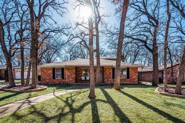 3408 Somerset Drive, Arlington, TX 76013 (#14501232) :: Homes By Lainie Real Estate Group