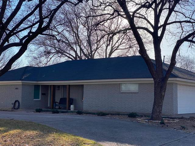 2033 Robin Road, Abilene, TX 79605 (MLS #14501730) :: The Mauelshagen Group