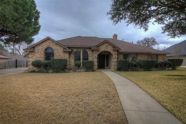 38 Timbergreen Circle, Denton, TX 76205 (MLS #14501912) :: Post Oak Realty