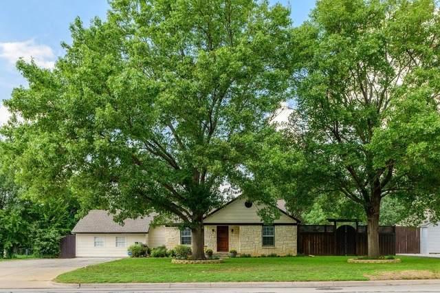 105 W Park Row Drive, Arlington, TX 76010 (#14501972) :: Homes By Lainie Real Estate Group