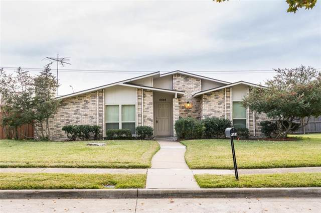 4504 Newcombe Drive, Plano, TX 75093 (MLS #14501987) :: Front Real Estate Co.