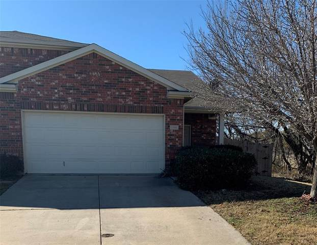 1300 Saddle Blanket Court, Fort Worth, TX 76131 (MLS #14502040) :: The Kimberly Davis Group